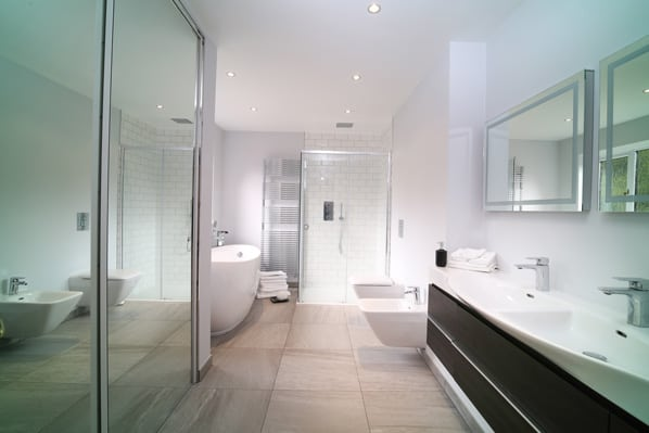 luxury en suite of property for sale in Mattingley Hampshire
